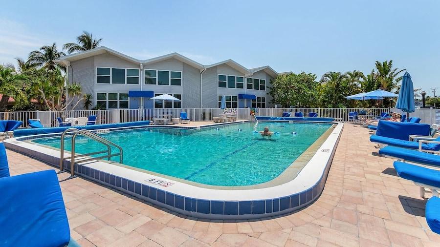 Dolphin Inn Resort