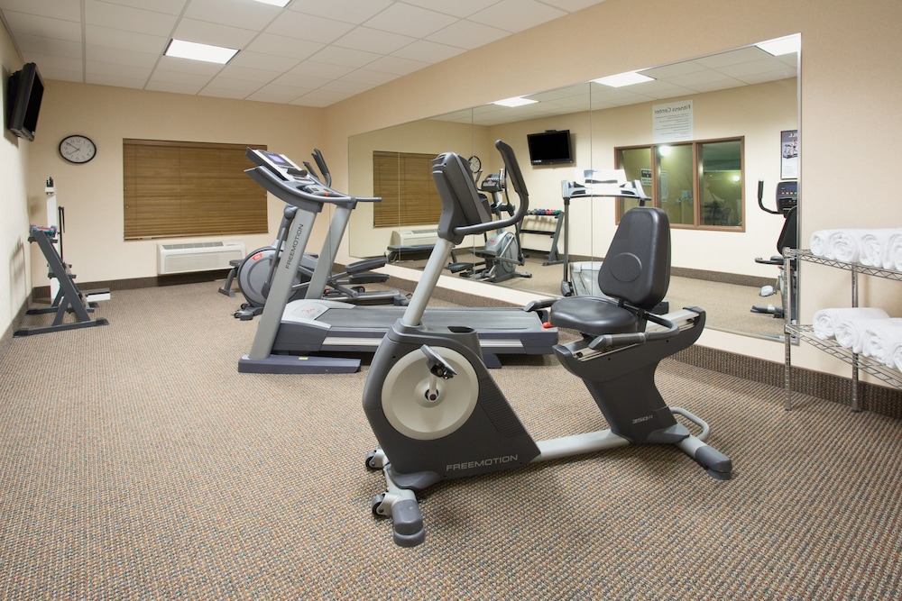 Fitness Facility, Holiday Inn Express Hotel & Suites Las Vegas