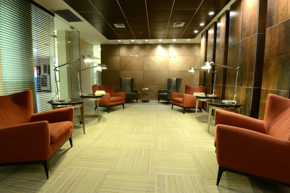 Lobby, Holiday Inn Santiago - Airport Terminal