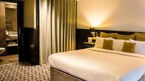 Frette Italian sheets, hypo-allergenic bedding, Tempur-Pedic beds