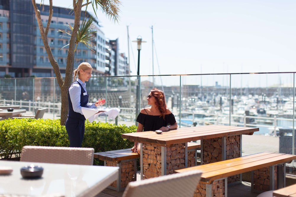 Outdoor Dining, Radisson Blu Waterfront Hotel, Jersey