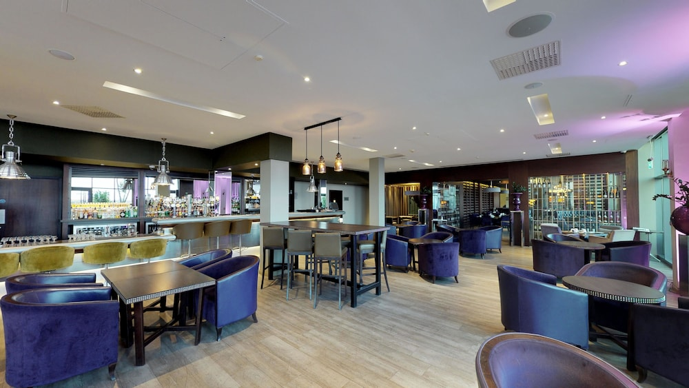 In-Room Dining, Radisson Blu Waterfront Hotel, Jersey