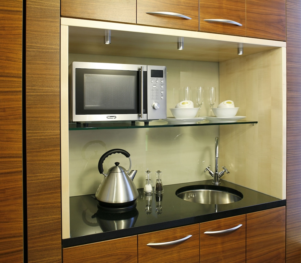 Private Kitchenette, Park Plaza County Hall London