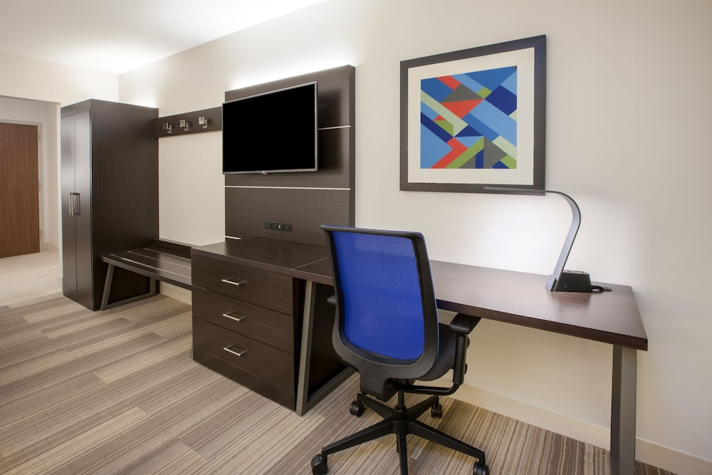 Room Amenity, Holiday Inn Express Hotel & Suites Texas City, an IHG Hotel