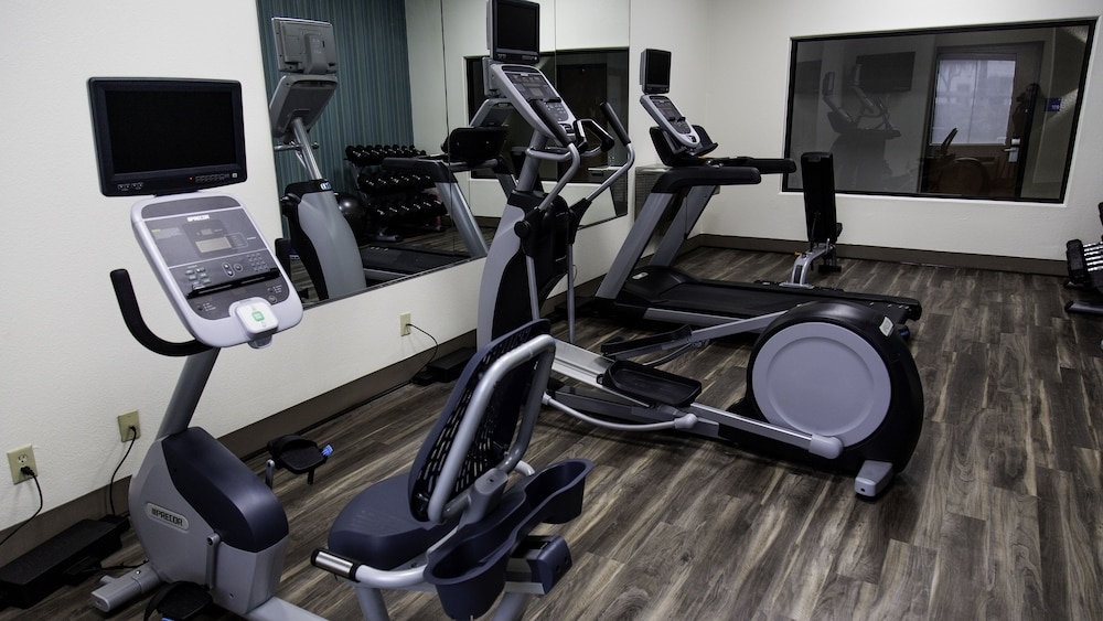 Fitness Facility, Holiday Inn Express Hotel & Suites Texas City, an IHG Hotel