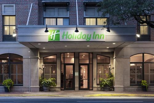 Great Place to stay Holiday Inn Savannah Historic District near Savannah