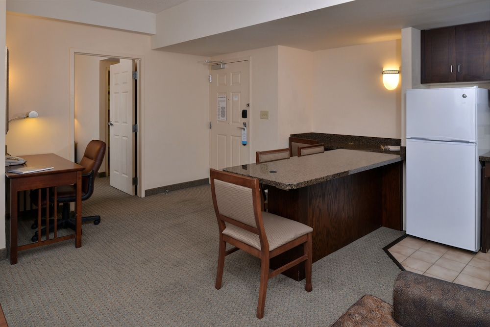Room, Staybridge Suites Chesapeake