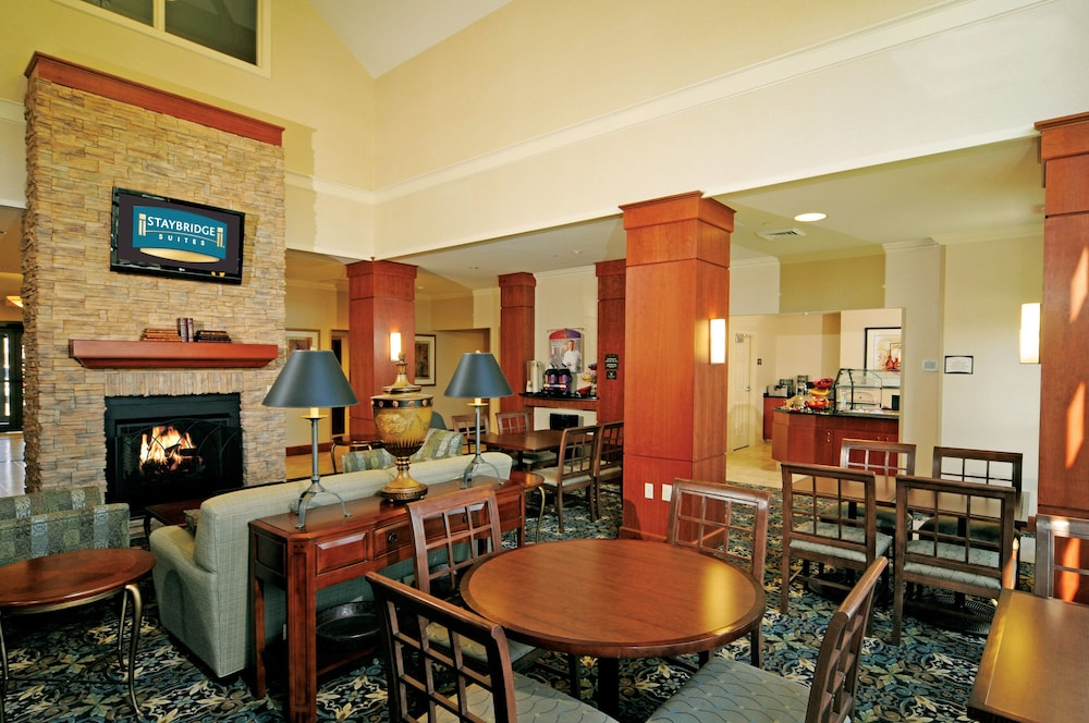 Lobby, Staybridge Suites Chesapeake