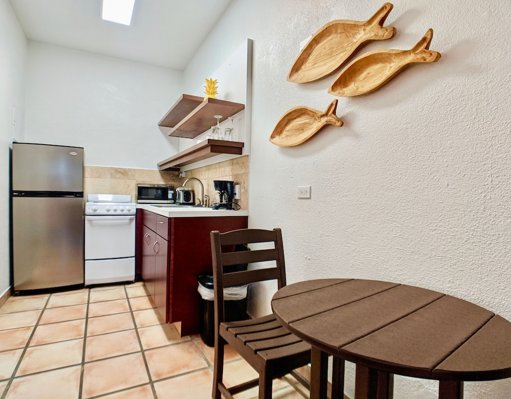 Private Kitchen, Sand Castle on the Beach - Adults Only