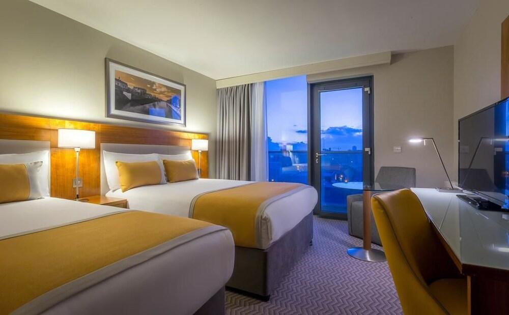 Maldron Hotel Leisure Centre Tallaght Deals Reviews Dublin Irl Wotif