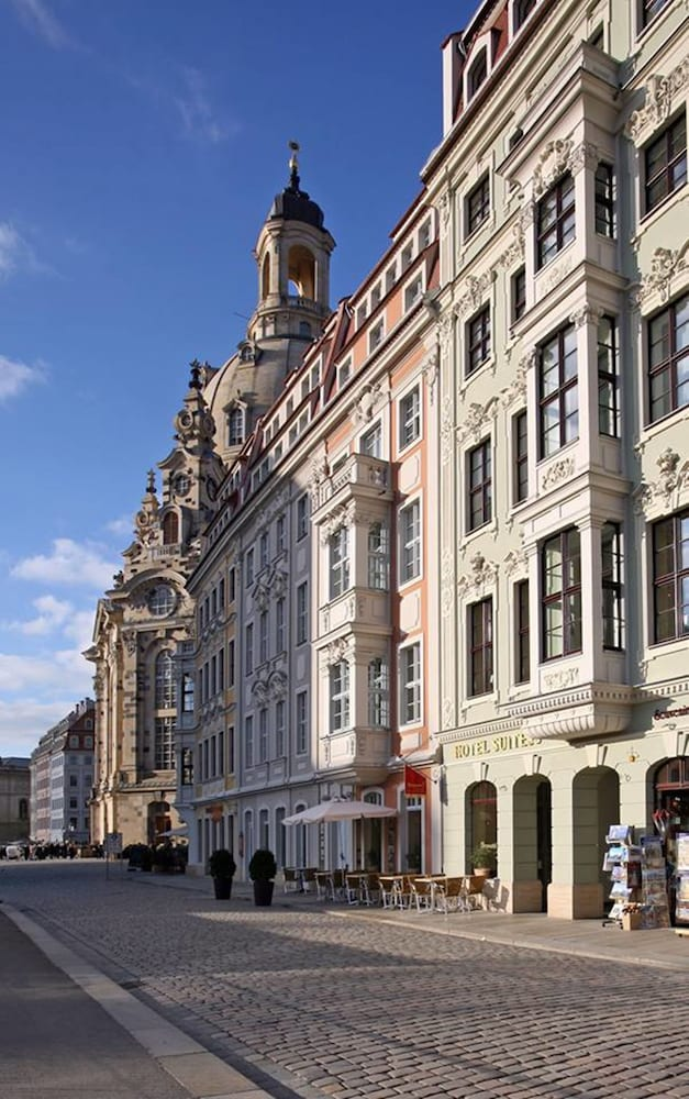 suitess an der frauenkirche in dresden hotel rates reviews on orbitz. Black Bedroom Furniture Sets. Home Design Ideas