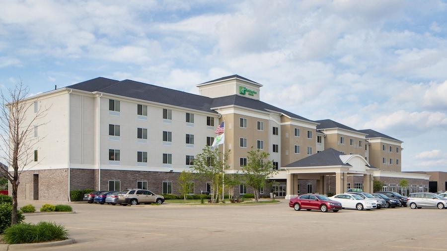 Holiday Inn Bloomington-Airport, an IHG Hotel