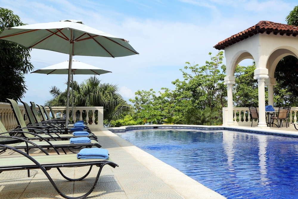Pool, Hotel Parador Resort And Spa