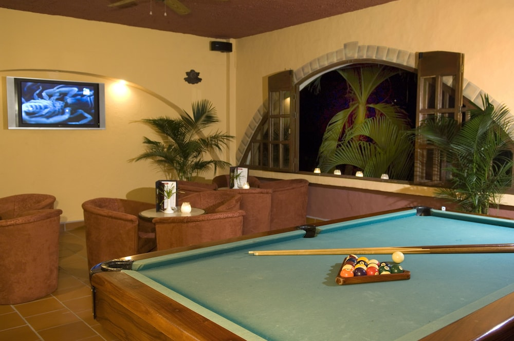 Billiards, Hotel Parador Resort And Spa