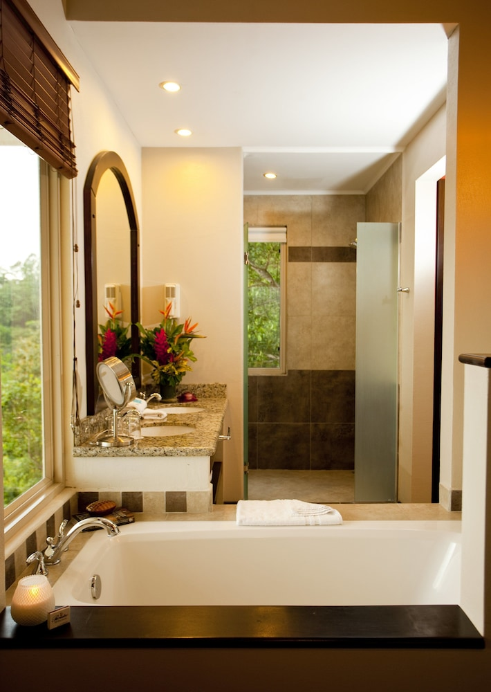 Bathroom, Hotel Parador Resort And Spa