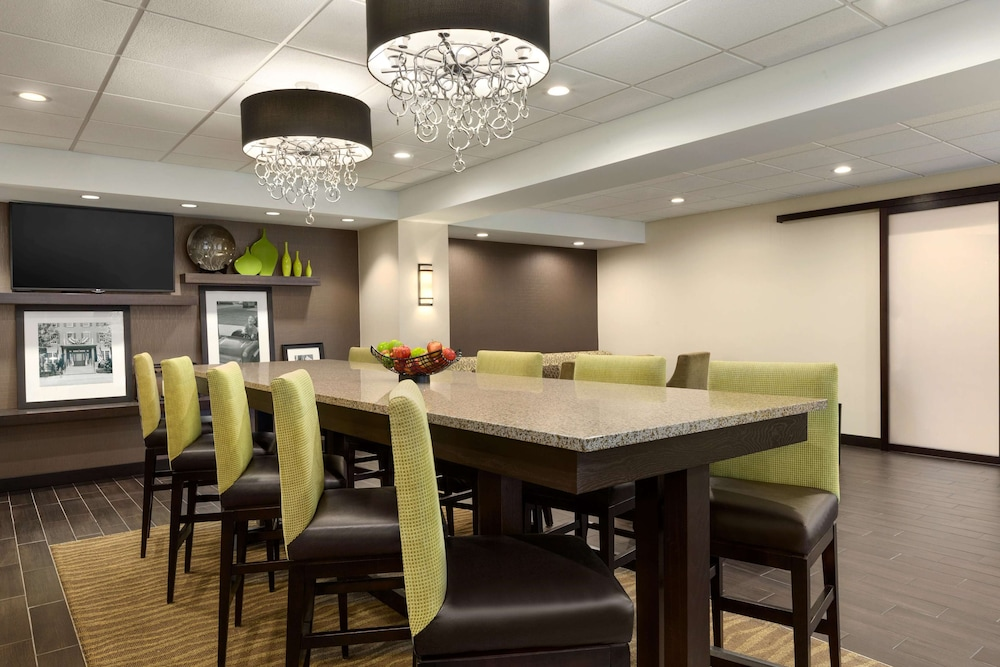 Restaurant, Hampton Inn Dover