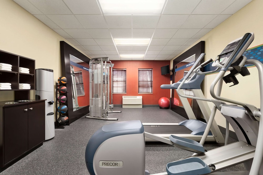 Fitness Facility, Hampton Inn Dover