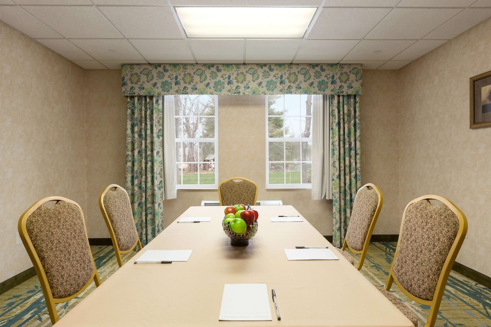 Meeting Facility, Hampton Inn Dover