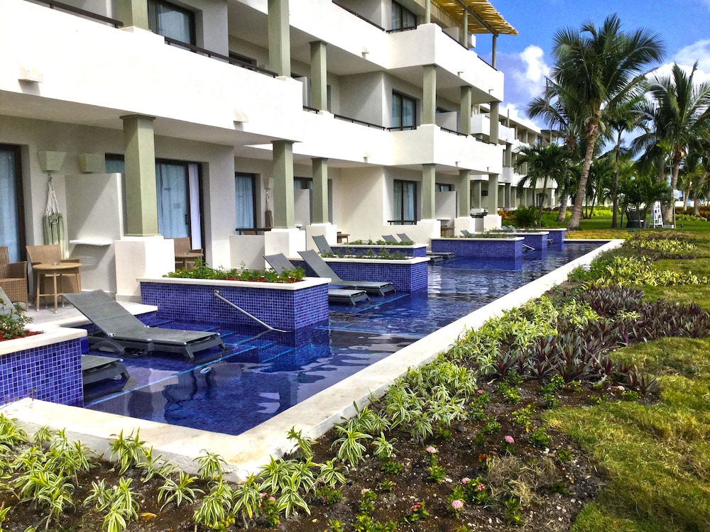 Terrace/Patio, Catalonia Royal Bavaro - Adults Only - All Inclusive