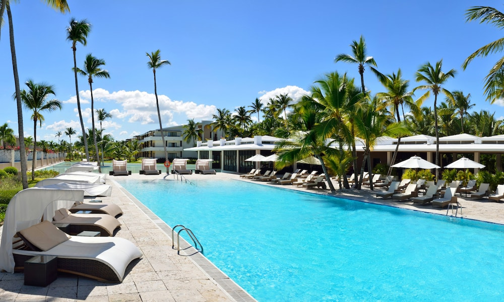 Outdoor Pool, Catalonia Royal Bavaro - Adults Only - All Inclusive
