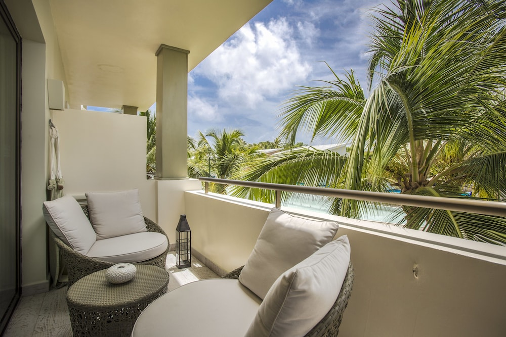 Balcony, Catalonia Royal Bavaro - Adults Only - All Inclusive