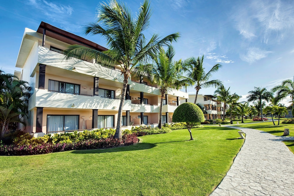 Exterior, Catalonia Royal Bavaro - Adults Only - All Inclusive