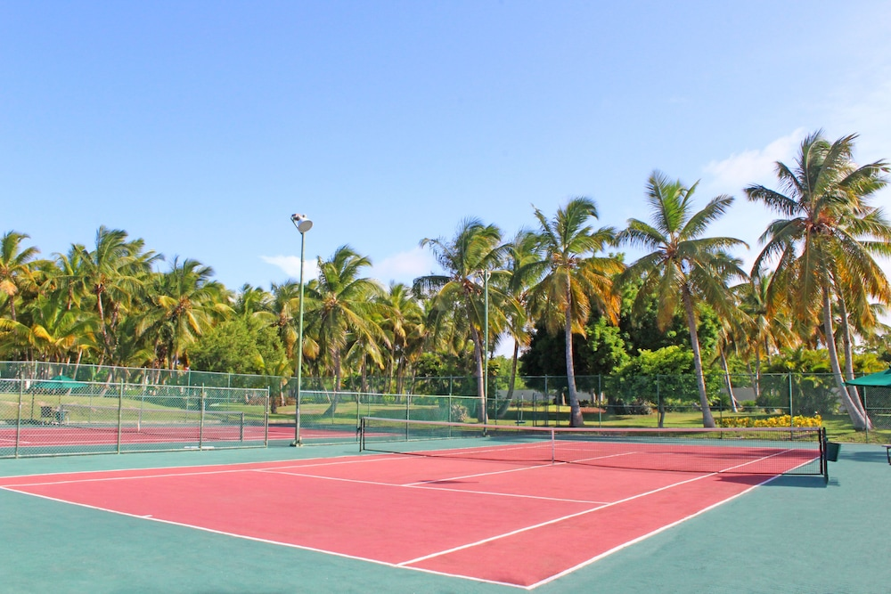 Tennis Court, Catalonia Royal Bavaro - Adults Only - All Inclusive