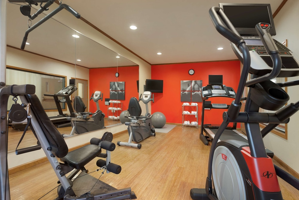 Fitness Facility, Country Inn & Suites by Radisson, Pineville, LA