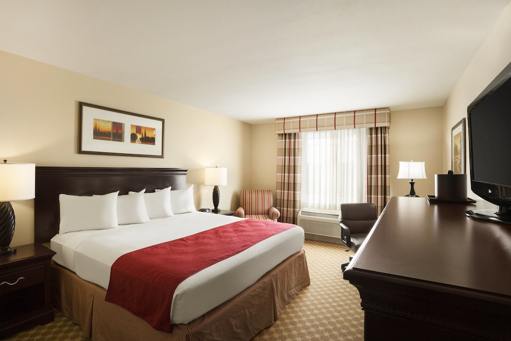 Room, Country Inn & Suites by Radisson, Pineville, LA