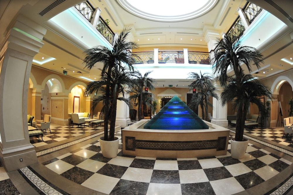 Crowne Plaza Al Khobar: 2019 Room Prices $75, Deals