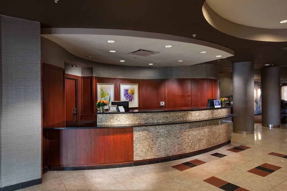 Lobby, Courtyard by Marriott Fayetteville