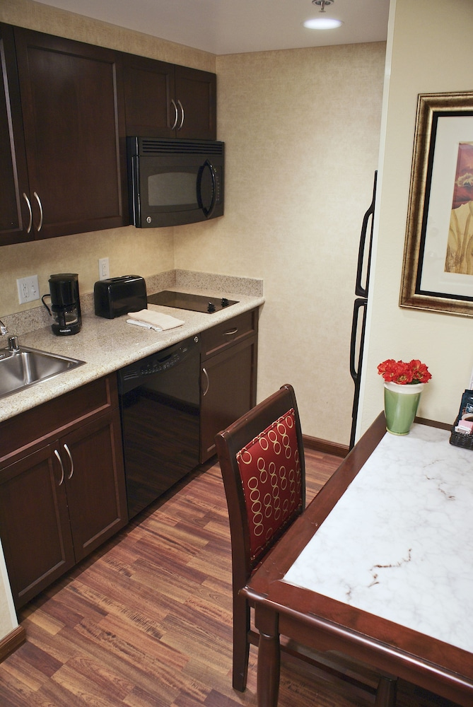 Private Kitchen, Homewood Suites by Hilton Las Vegas Airport