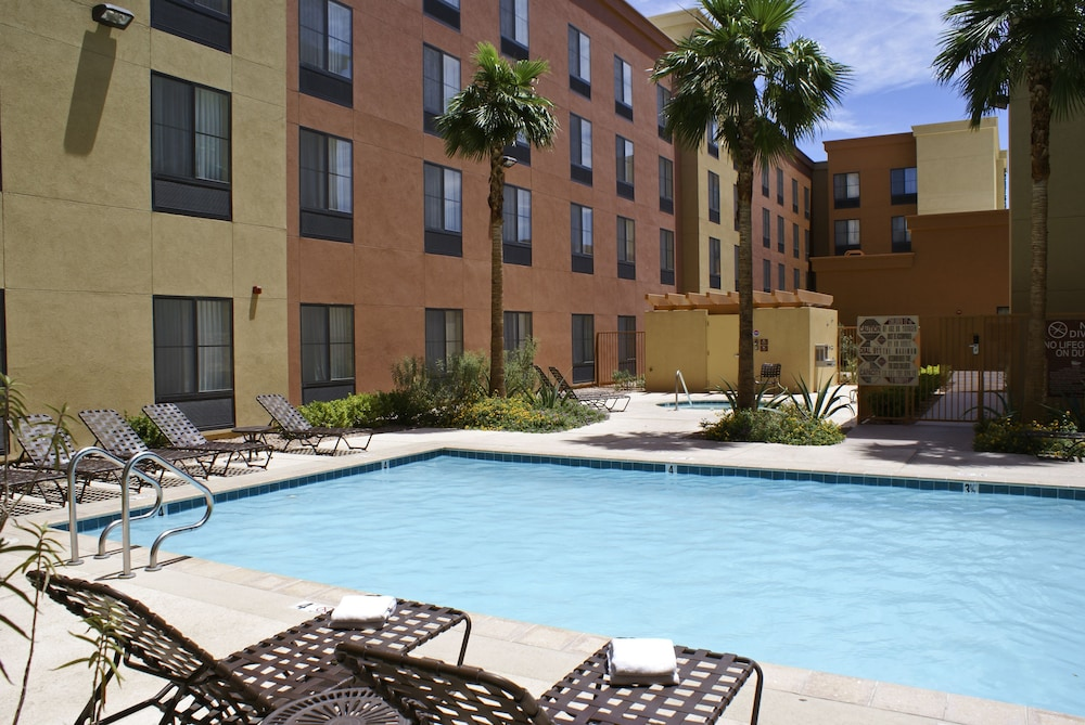 Outdoor Pool, Homewood Suites by Hilton Las Vegas Airport