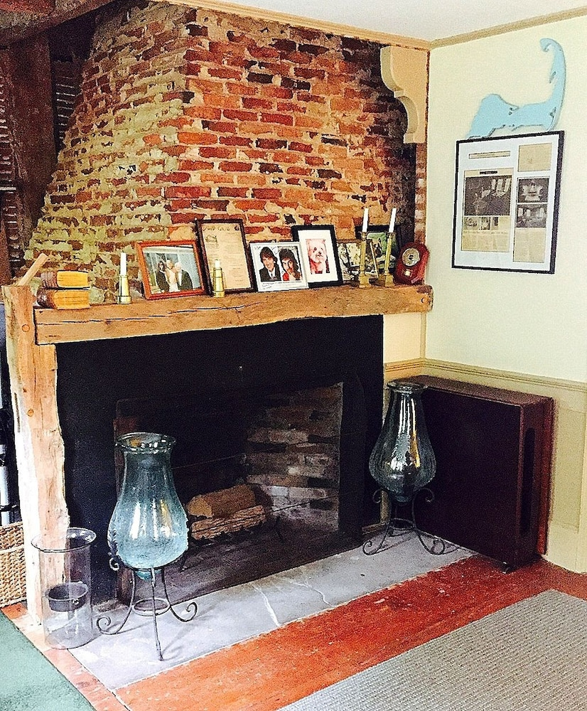 Fireplace, Lamb and Lion Inn