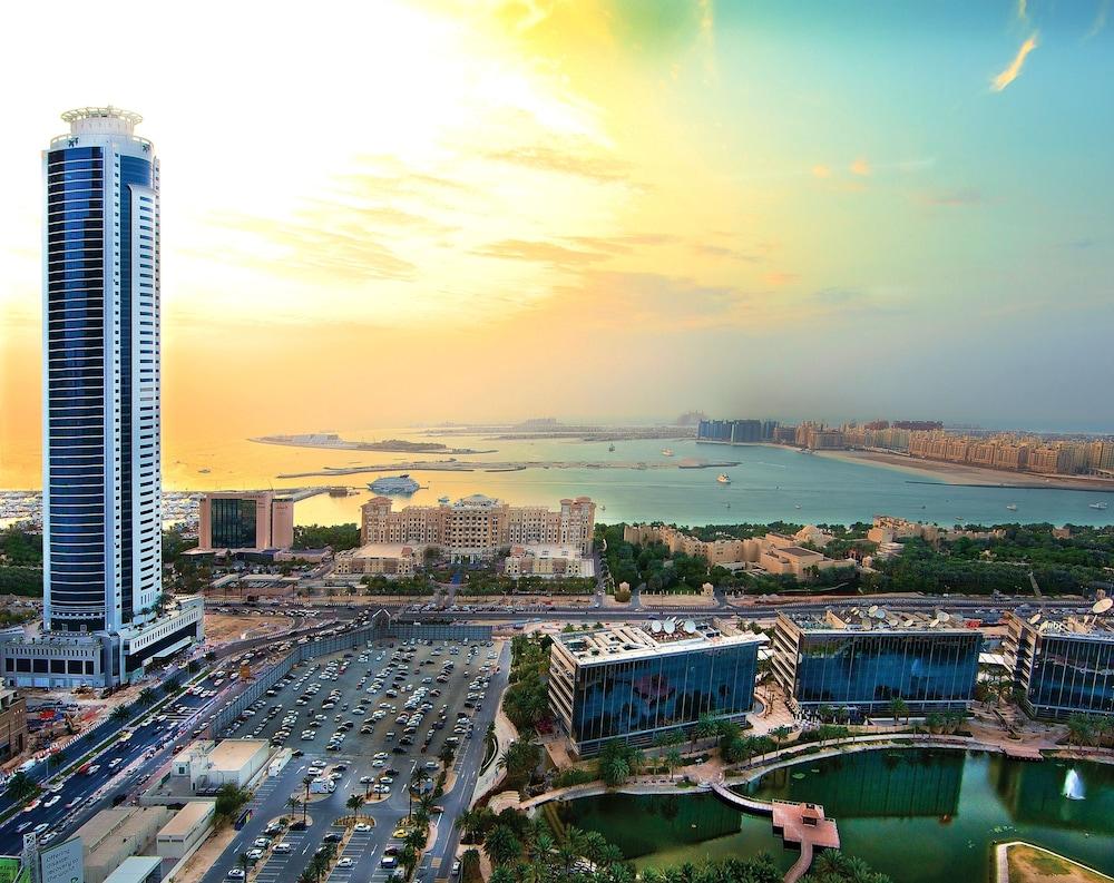 Book tamani marina hotel and hotel apartments dubai for Dubai luxury hotel deals