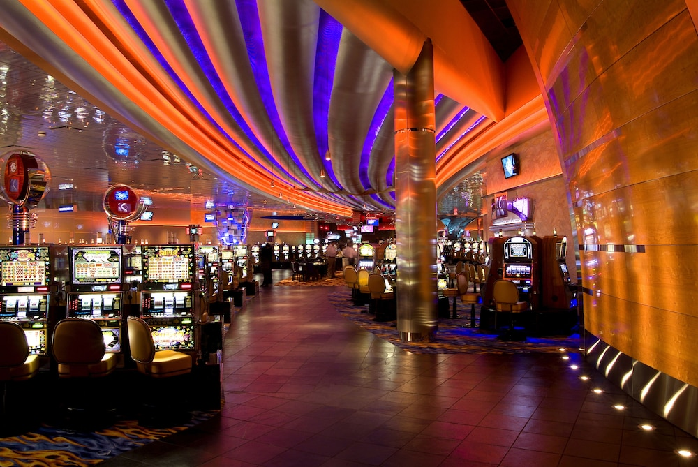Motorcity Casino Hotel 2017 Room Prices Deals Reviews