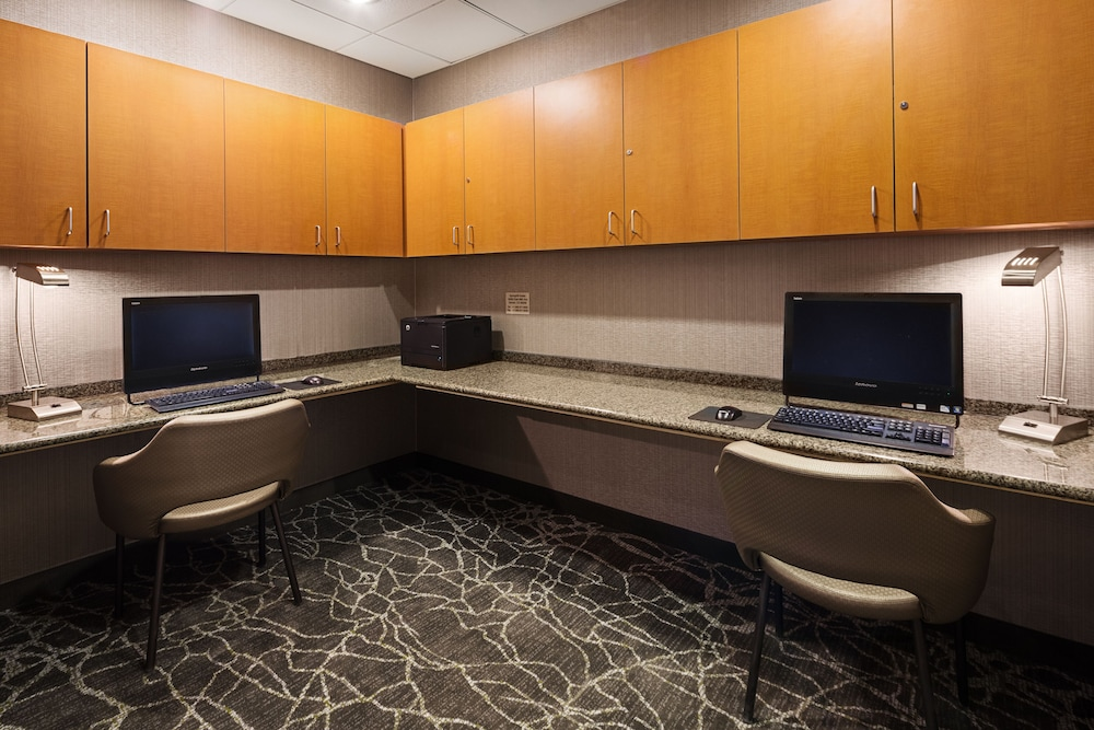 Business Center, SpringHill Suites by Marriott Denver Airport