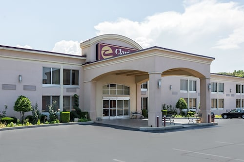 Check Expedia for Availability of Clarion Inn Tupelo North