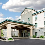 Quality Inn & Suites Fishkill South near I-84