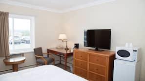 Caja fuerte, wifi gratis, ropa de cama y despertador
