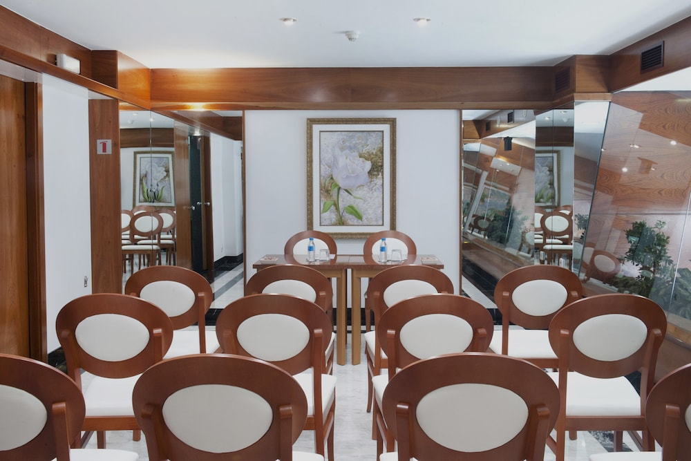 Meeting Facility, Acacia Suite