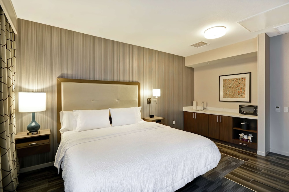 Room Amenity, Hampton Inn & Suites Los Angeles Burbank Airport