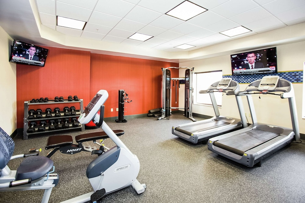 Fitness Facility, Hampton Inn & Suites Blairsville