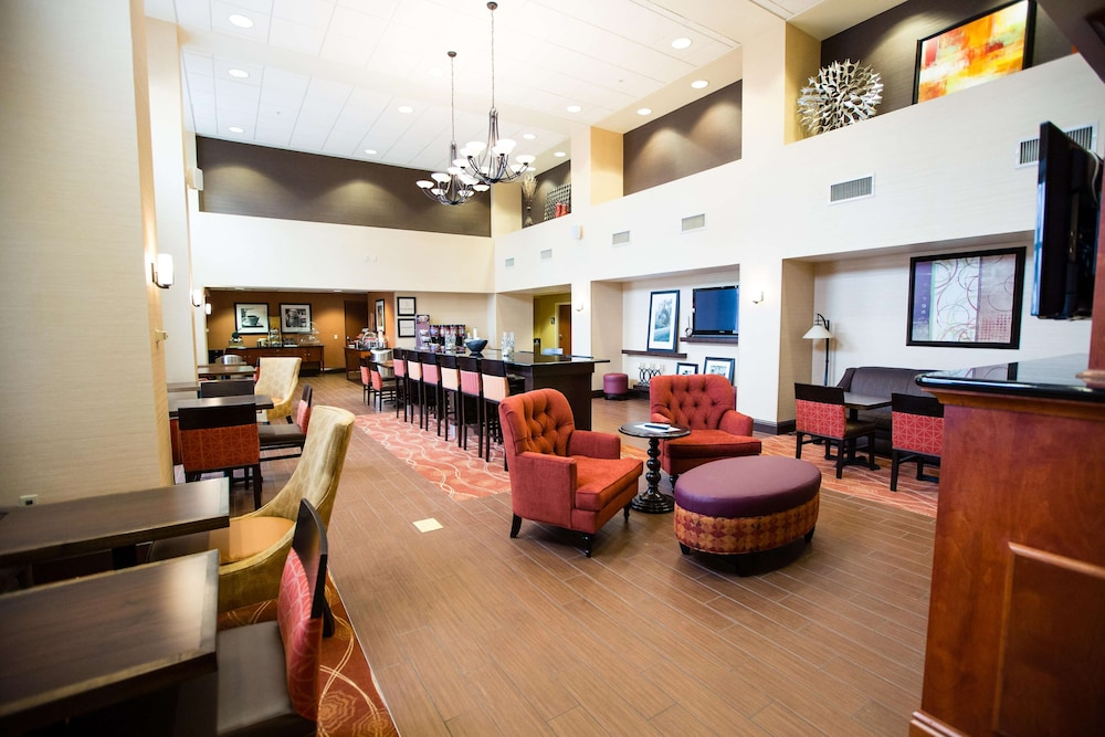 Bar, Hampton Inn & Suites Blairsville