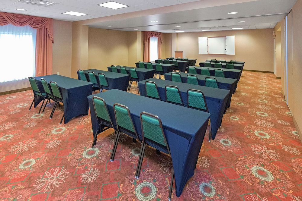 Meeting Facility, Hampton Inn & Suites Blairsville