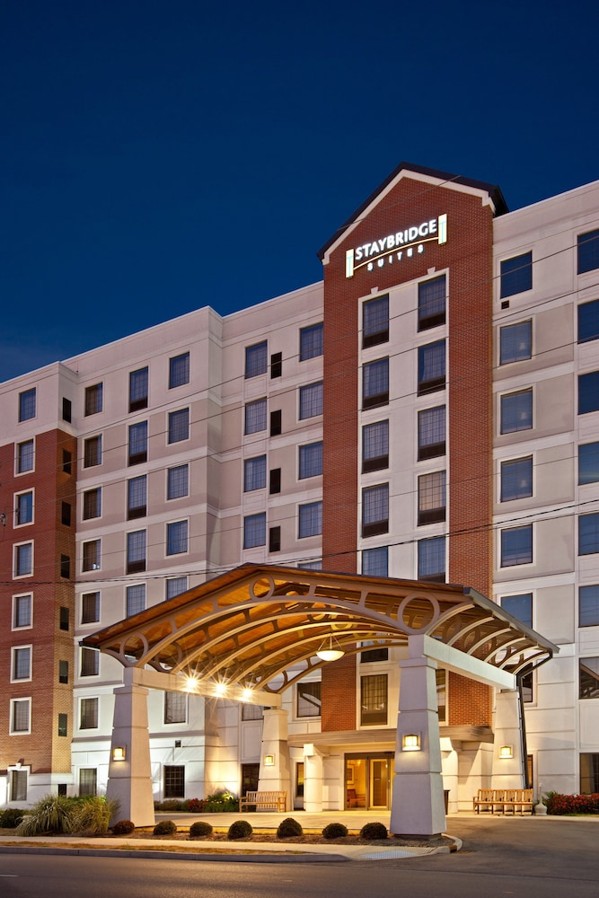 Exterior: Staybridge Suites Indianapolis Downtown