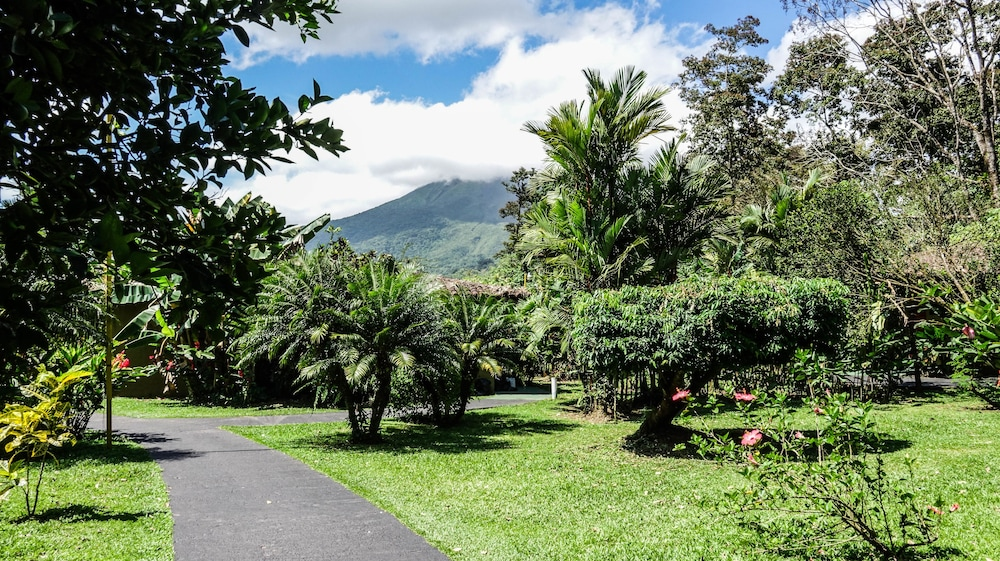 Property Grounds, Mountain Paradise Wellness & Spa