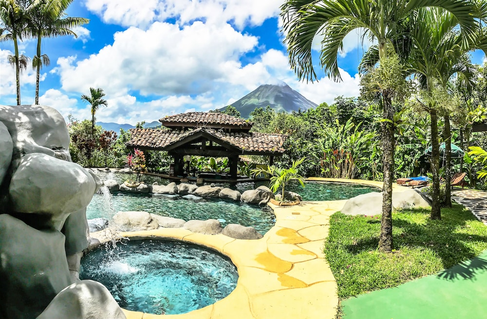 Outdoor Pool, Mountain Paradise Wellness & Spa
