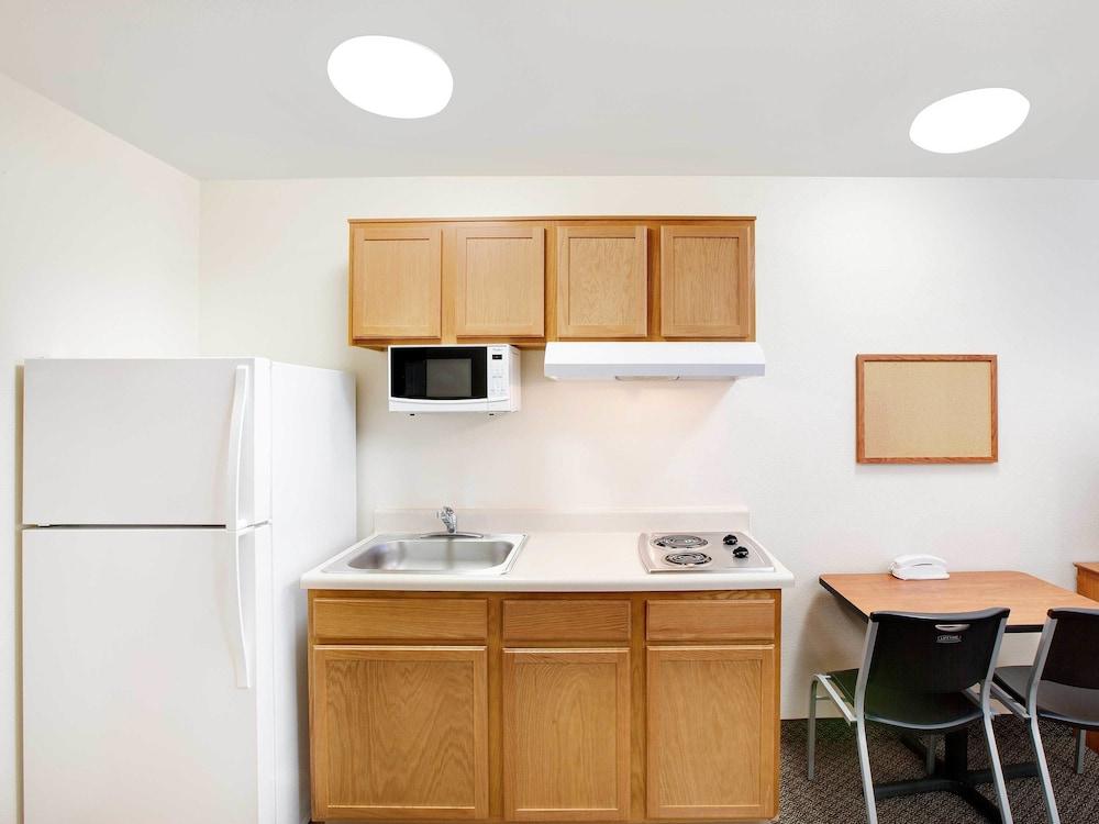 Woodspring suites houston la porte deals reviews la for La porte usa