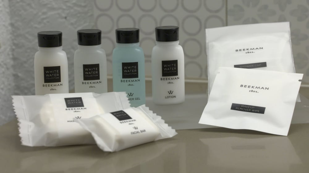 Bathroom Amenities, Country Inn & Suites by Radisson, Canton, GA